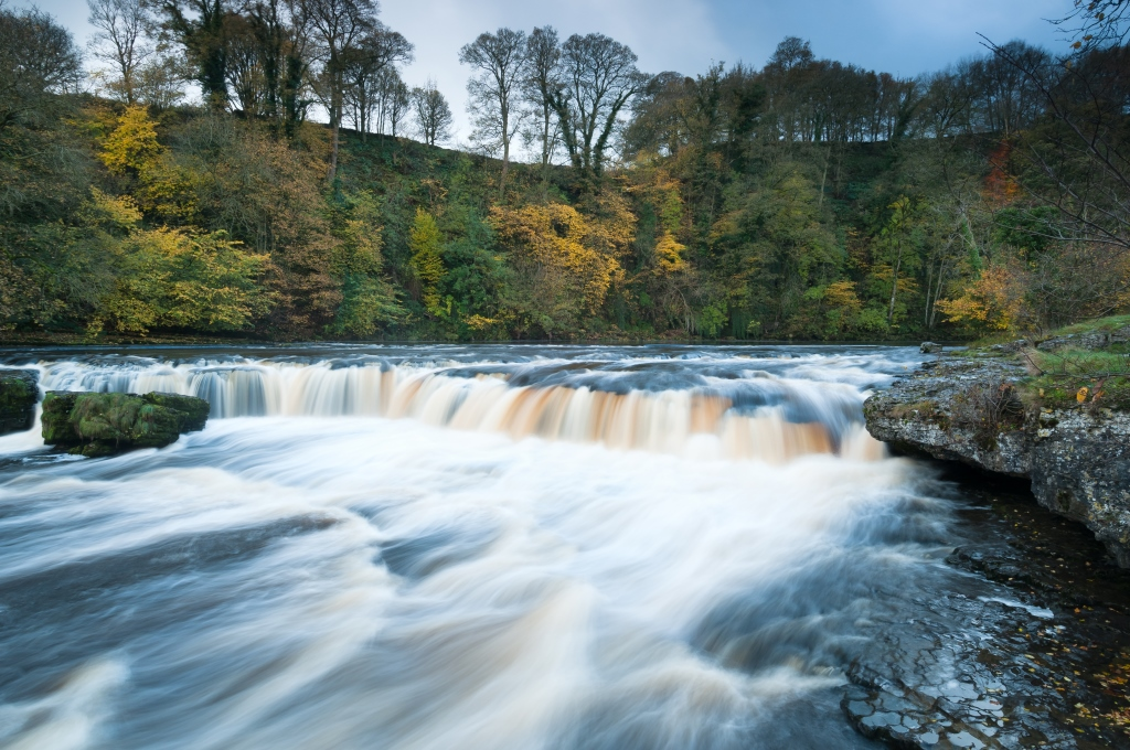 kevin lockwood - aysgarth in autumn (aysgarth upper falls) web2